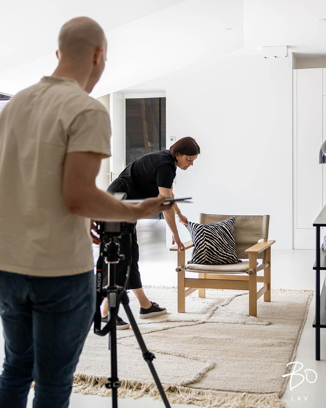 Bo:lla stailaajat ja kuvaajat tekevät tiivistä yhteistyötä saadakseen asunnon parhaat puolet esiin.